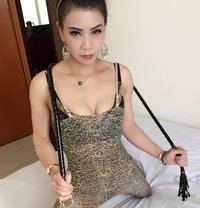 moon will be sweety or bitch 100% real - escort in Dubai Photo 6 of 10