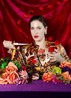 Ms. Rebecca Knox - dominatrix in Paris Photo 7 of 9
