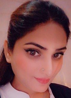 Muskan Indian Girl - escort in Abu Dhabi Photo 2 of 4