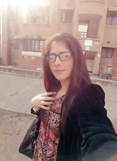 Naina - escort in Dubai Photo 1 of 5