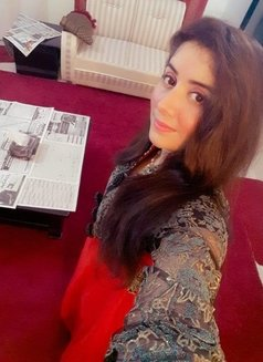 Naina - escort in Dubai Photo 3 of 5