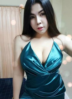 Nana Young busty girl - escort in Dubai Photo 5 of 8