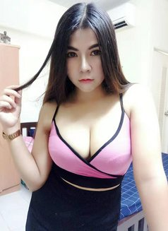 Nana Young busty girl - escort in Dubai Photo 6 of 8