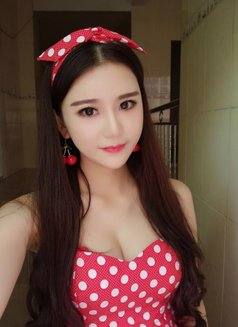 Nancy - escort in Shenzhen Photo 3 of 6