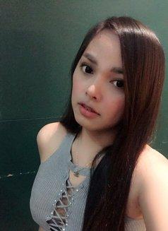 Nancy's palm - escort in Makati City Photo 6 of 10
