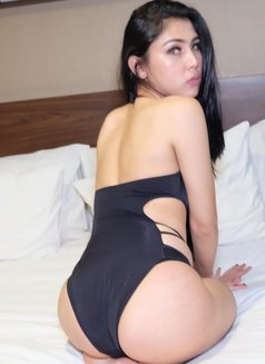 Naomi - Transsexual escort in Jakarta Photo 1 of 5