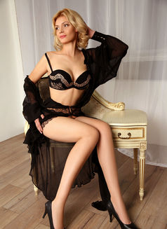 Natalie - escort in Moscow Photo 6 of 7