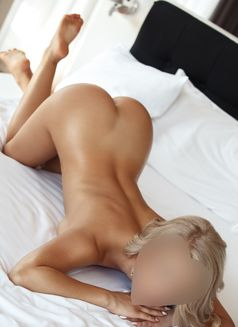 Nataliya Love (Natural breasts) - escort in Dubai Photo 3 of 10