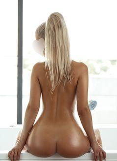 Nataliya Love (Natural breasts) - escort in Dubai Photo 9 of 10