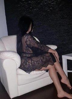 Natasha - escort in Bucharest Photo 4 of 5