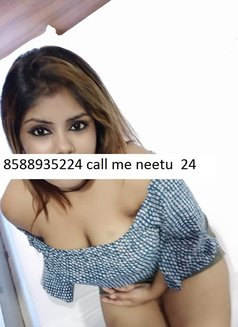 Neetu - escort in New Delhi Photo 2 of 3