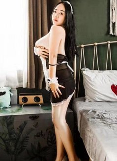 New and Hot Girl - escort in Abu Dhabi Photo 1 of 3