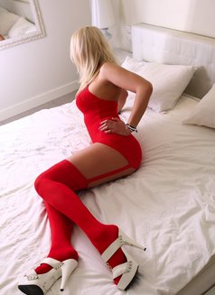 DELIGHTED SEXY POLISH SANDRA - escort in London Photo 2 of 7