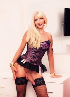 XXL very Hard TS From Switzerland Kelly - Transsexual escort in Stockholm Photo 10 of 16