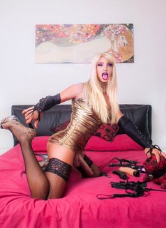 XXL very Hard TS From Switzerland Kelly - Transsexual escort in Stockholm Photo 12 of 16