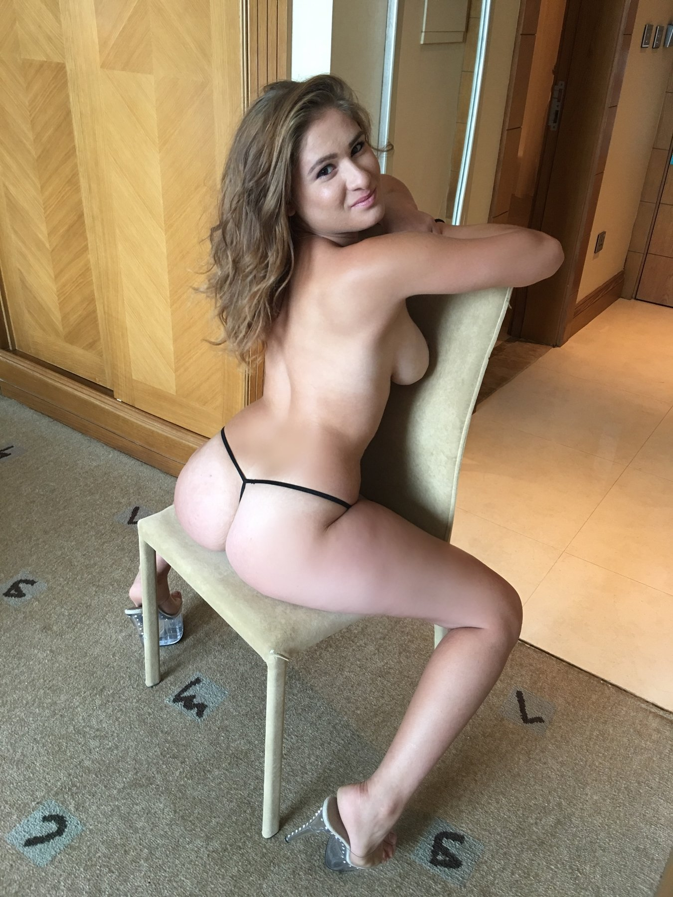 real escort pictures homo escort service hungary
