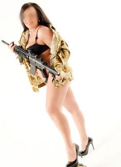 Nicole - escort in Milton Keynes Photo 3 of 7