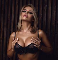 Nicole Stunning Blonde, Perfect Gfe - escort in Dubai