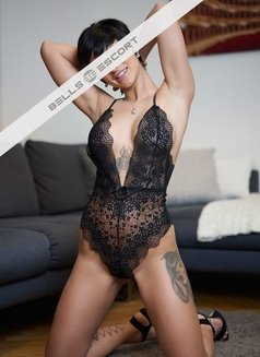Nicoletta - escort in Munich Photo 1 of 4