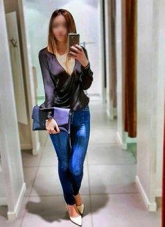 Nida - escort in İstanbul Photo 3 of 8