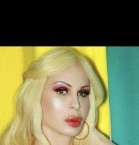Nina Marie - Transsexual escort in Paris