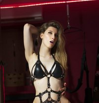 Noa shemale with pussy - Transsexual escort in Madrid