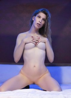 Noa Only Web Cam - escort in Kuwait Photo 8 of 16