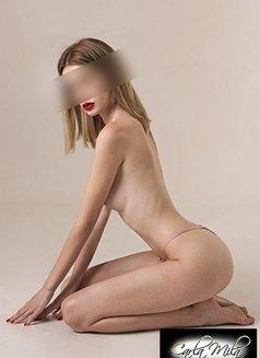 Noemi. - escort in Madrid Photo 6 of 6