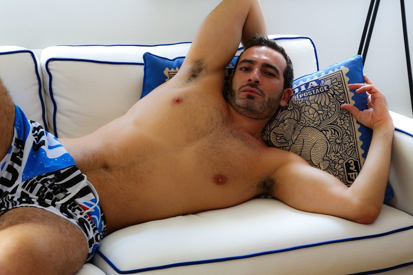 pono gay escort a paris