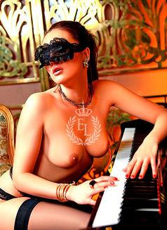 Oksana - escort in Dubai Photo 3 of 4