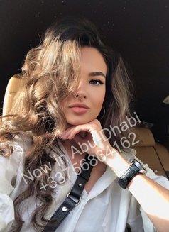 Olivia - escort in Abu Dhabi Photo 2 of 10