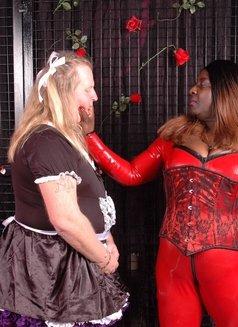 Oslo BBW Black Mistress - Madame Darknes - dominatrix in Oslo Photo 8 of 18