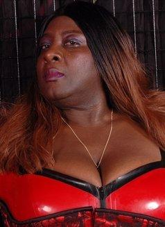 Oslo BBW Black Mistress - Madame Darknes - dominatrix in Oslo Photo 13 of 18