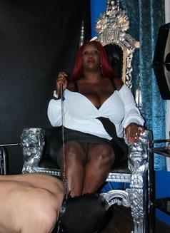Padrona Madame Caramel - escort in Naples Photo 13 of 18