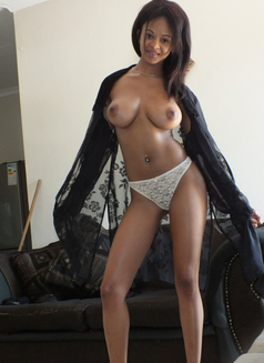 Trisha 24 hours incall and outcall - escort in Munich Photo 1 of 10
