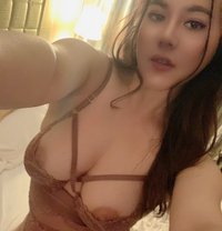 Party girl - escort in Montreal