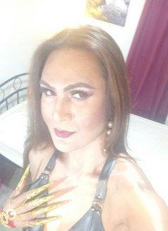 Pearl - Transsexual escort in Manila Photo 2 of 6