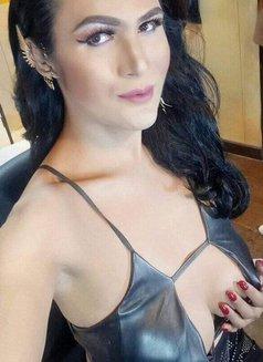 Pearl - Transsexual escort in Manila Photo 3 of 6