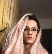 Perrie Ponte - Transsexual escort in London