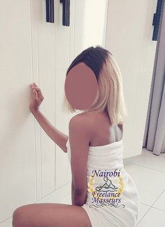 Petite Farwin (Outcall Massage only) - masseuse in Nairobi Photo 2 of 6