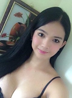 Poison Isabel T4 M - Transsexual escort in Singapore Photo 2 of 5