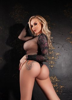 Pornstar Kayla Green - adult performer in Rome Photo 14 of 14
