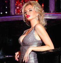 Poshmodels - escort agency in Dubai