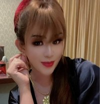 Power top and sweet bottom - Transsexual escort in Bangalore