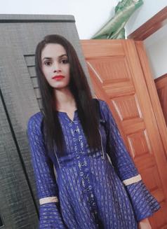 Preet Indian Girl - escort in Abu Dhabi Photo 2 of 7