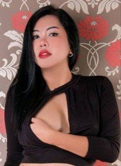 Primrose - escort in Bangkok Photo 1 of 17