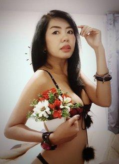 Primrose - escort in Bangkok Photo 10 of 17