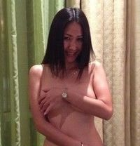 Profession Thai Massage==kelly - escort in Dubai Photo 1 of 7