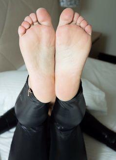 Professional Mistress Ann in town - dominatrix in Dubai Photo 18 of 30