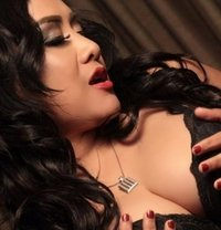 Putri – Wet and Wild Indonesian - escort in Shanghai Photo 1 of 14